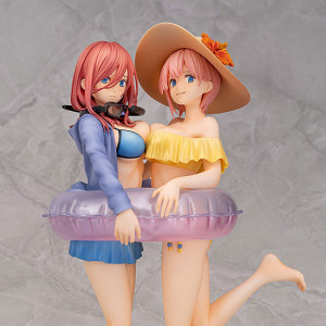 Nakano Ichika & Nakano Miku